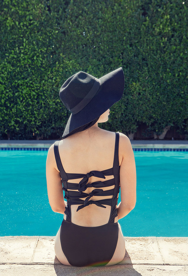 Nubby Twiglet | Poolside in palm Springs